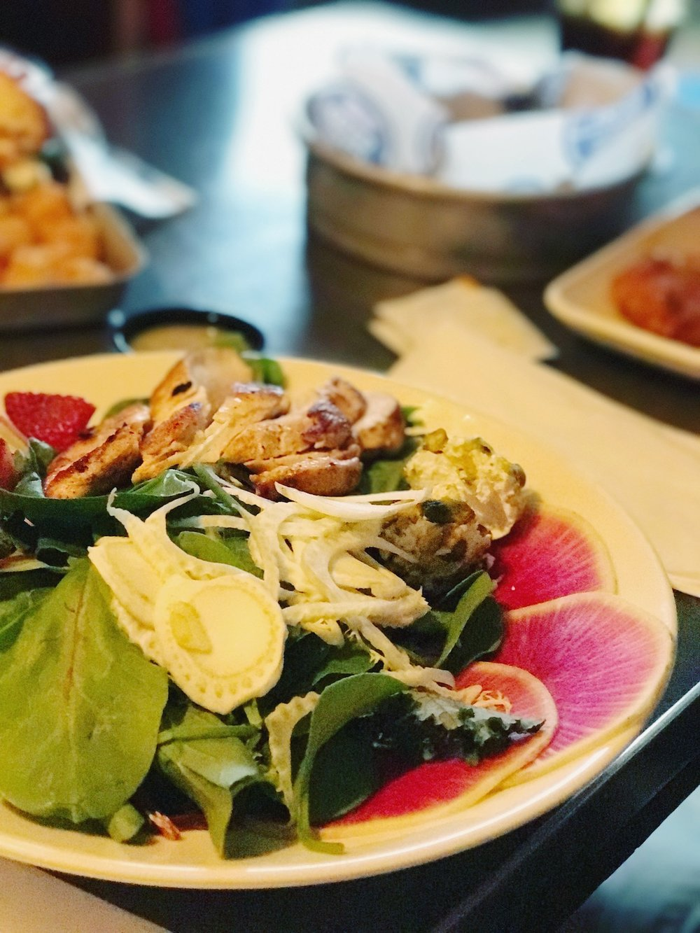 blue-door-pub-minneapolis-salad.JPG