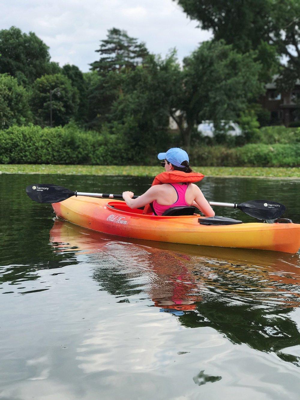 kayaking-on-lake-calhoun-minneapolis.JPG