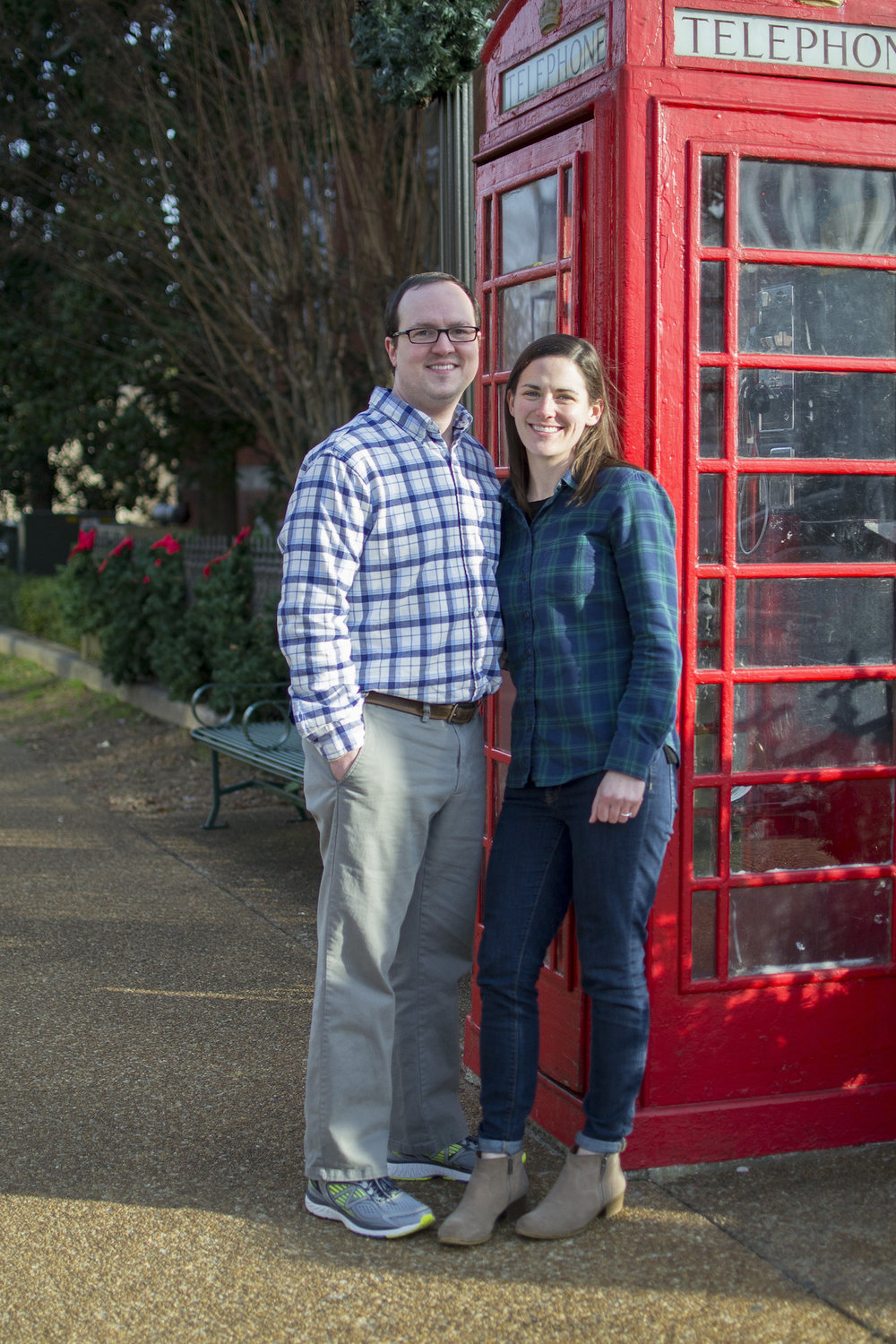 red telephone booth engagement photos.jpg