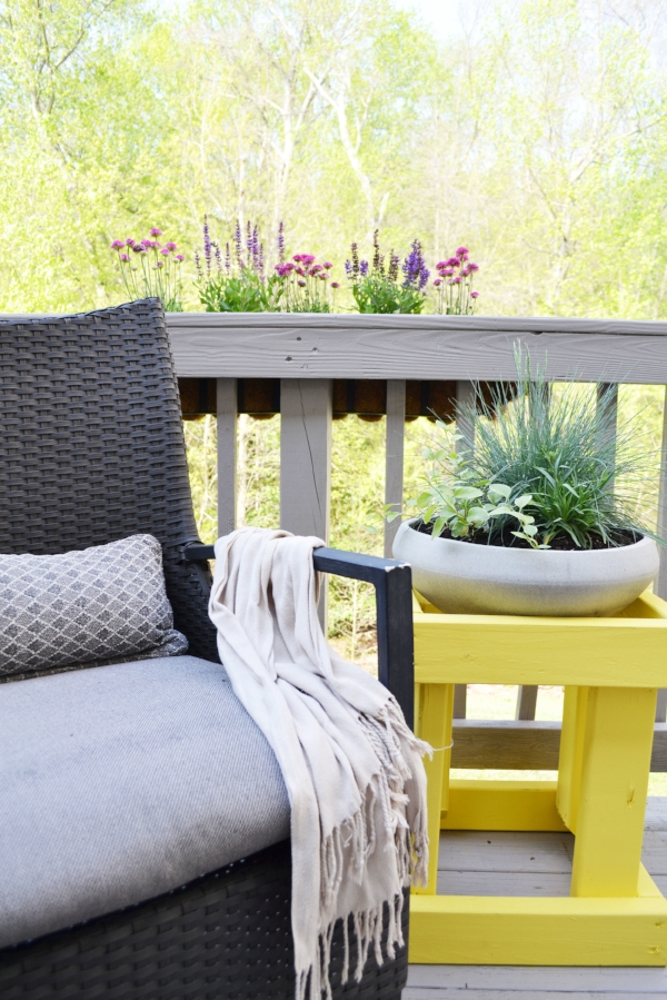 plant and flowers decorated patio / deck