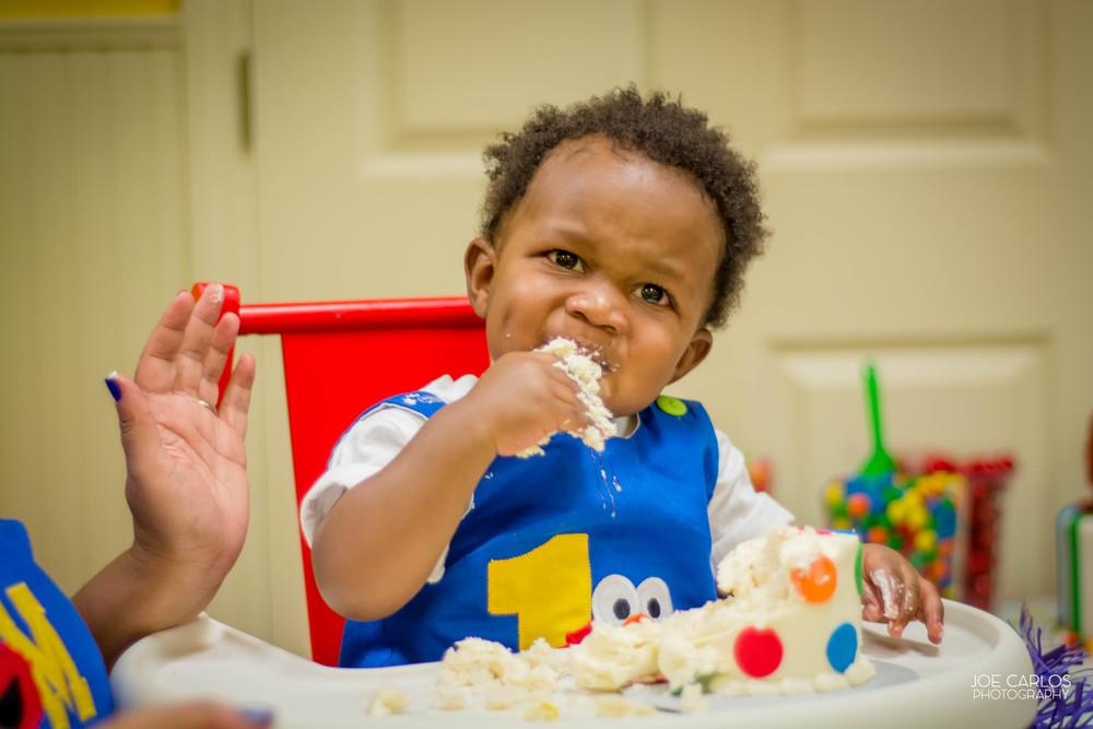 Carter and his 'Smash' Cake!
