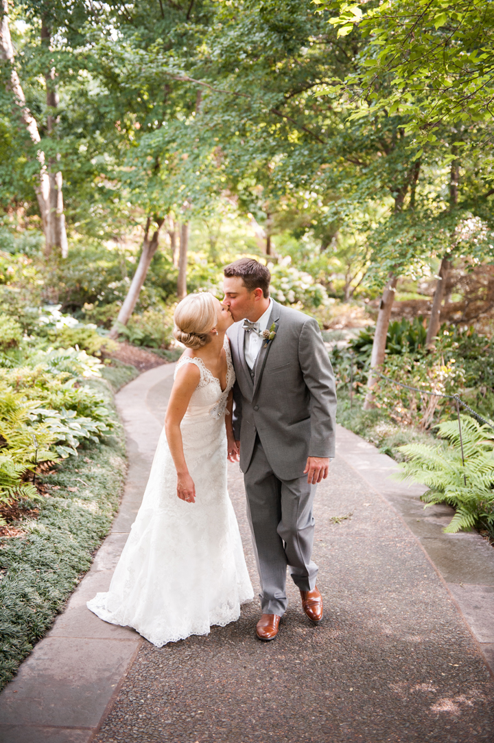 Natalie+Brendan_dallas arboritum_mattandjulieweddings_southernweddings_dallasweddings_010
