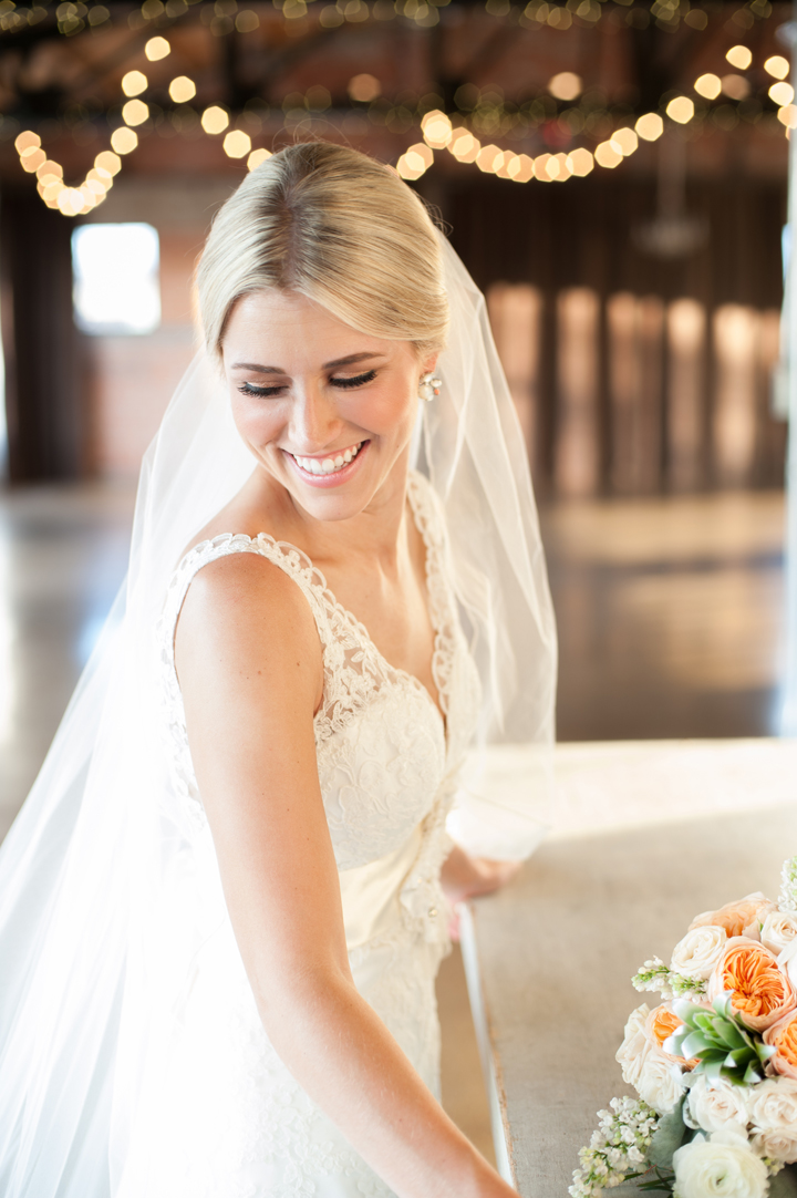 mattandjulieweddings_dallasweddingphotographer_HickoryStreetAnnexBridalPortraits_Texasweddingphotographers_southernweddings05