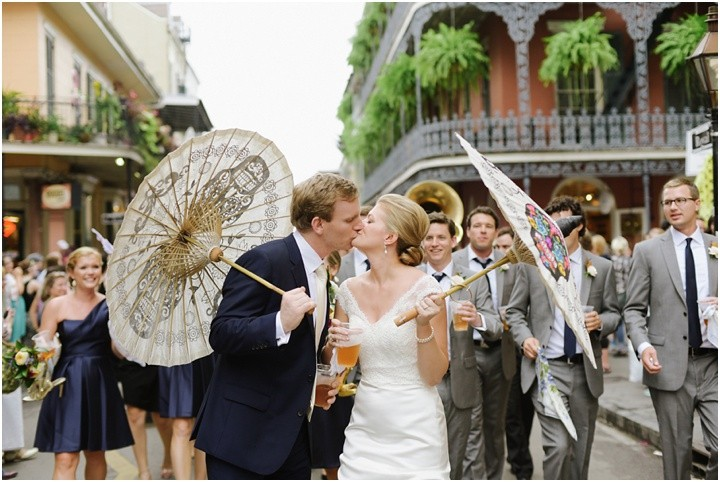 mattandjulieweddings_NOLAwedding_dallasweddingphotographers_neworleanswedding_mattandjulieweddings_secondline_0153