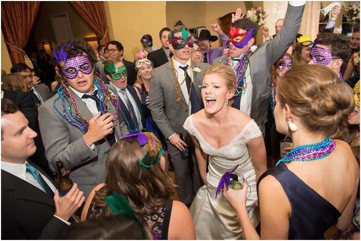 mattandjulieweddings_NOLAwedding_dallasweddingphotographers_neworleanswedding_mattandjulieweddings_secondline_0156