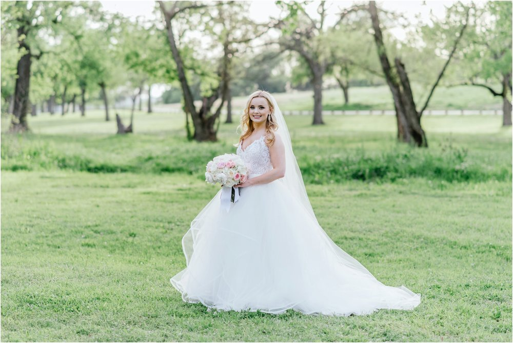 dallasweddingphotographer_texasweddingphotographer_mattandjulieweddings_modernfortworth_fortworthweddingphotographer_0879.jpg