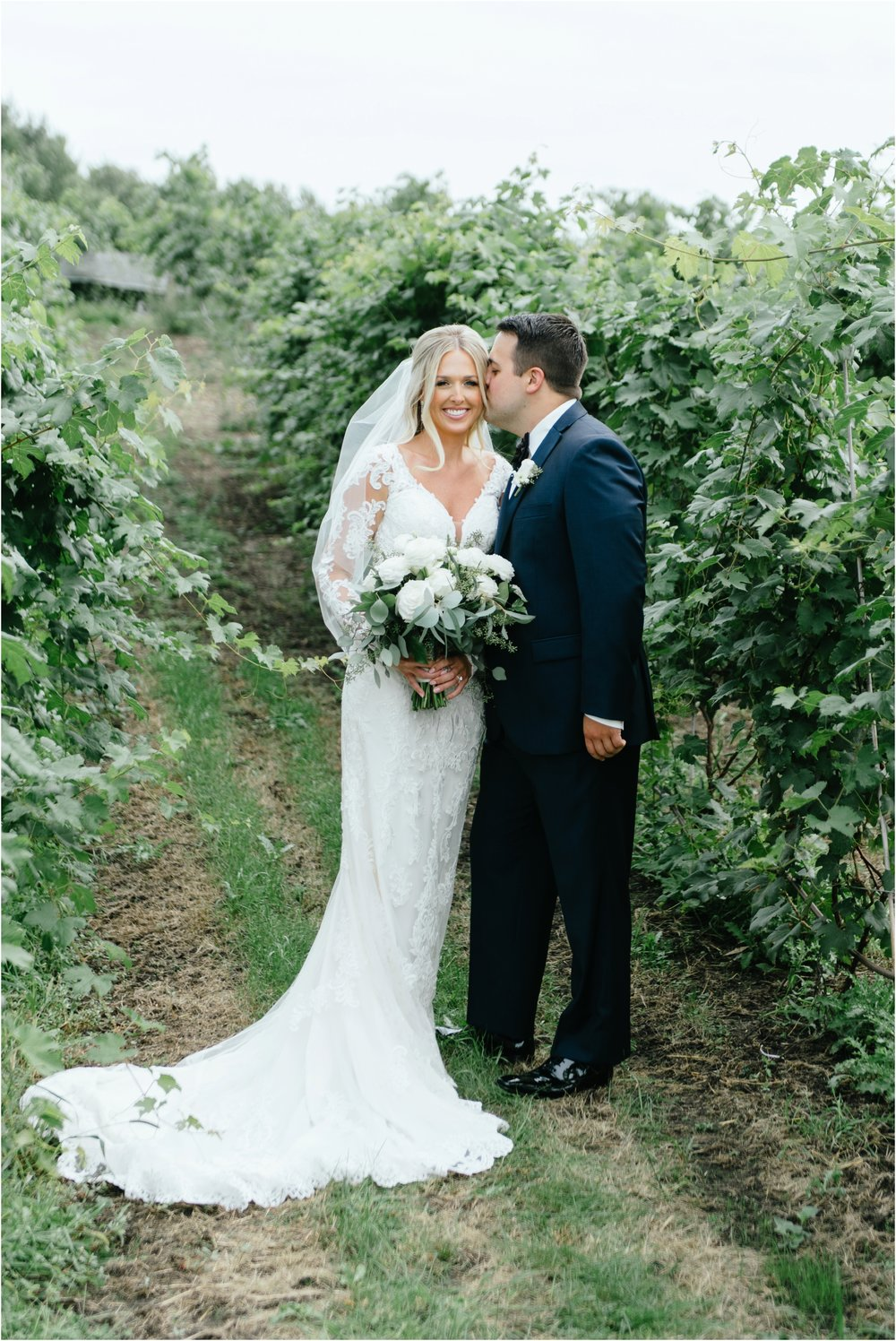 dallasweddingphotographer_fortworthweddingphotographer_texasweddingphotographer_mattandjulieweddings_vinyardwedding_Chelsey+Tom_0013.jpg