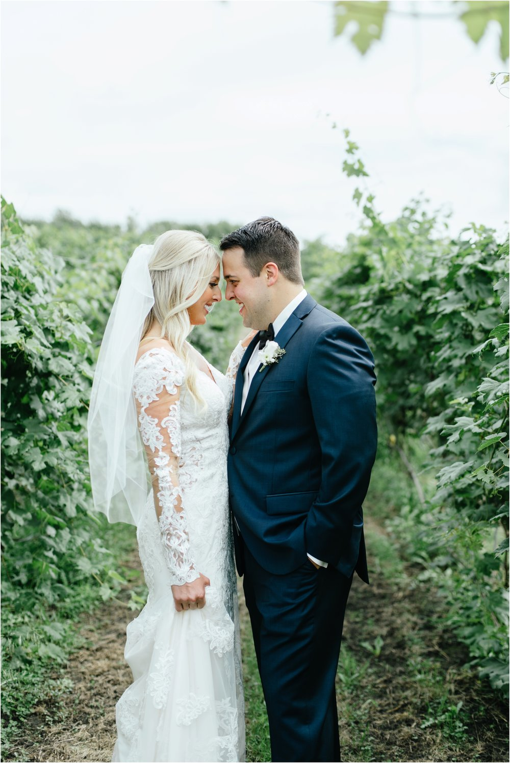 dallasweddingphotographer_fortworthweddingphotographer_texasweddingphotographer_mattandjulieweddings_vinyardwedding_Chelsey+Tom_0016.jpg