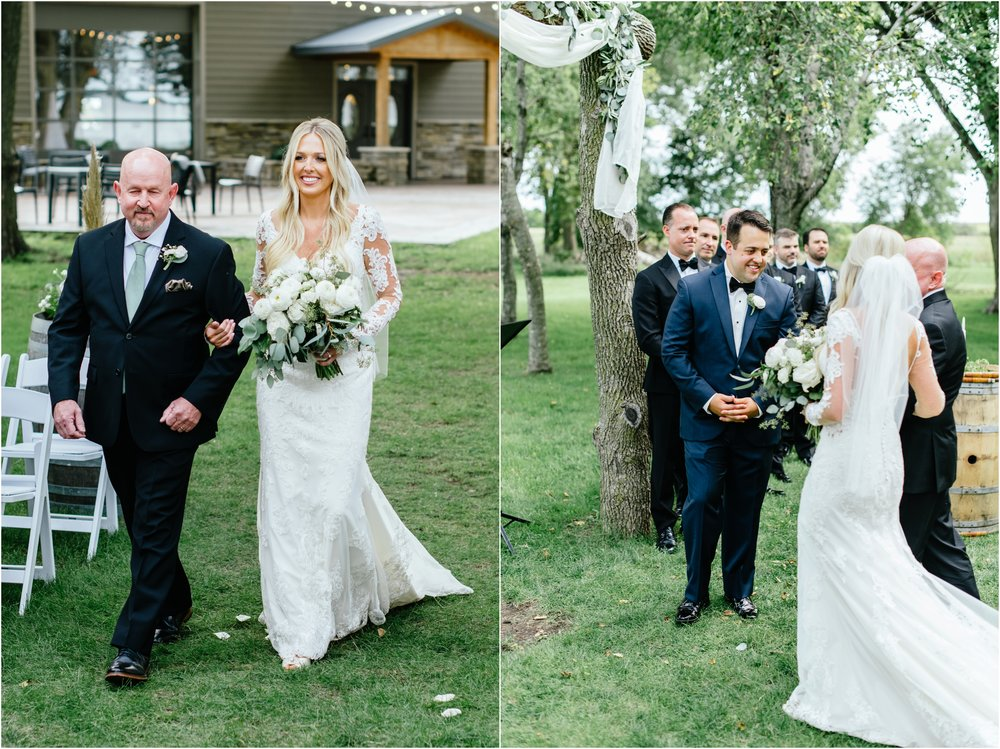 dallasweddingphotographer_fortworthweddingphotographer_texasweddingphotographer_mattandjulieweddings_vinyardwedding_Chelsey+Tom_0030.jpg