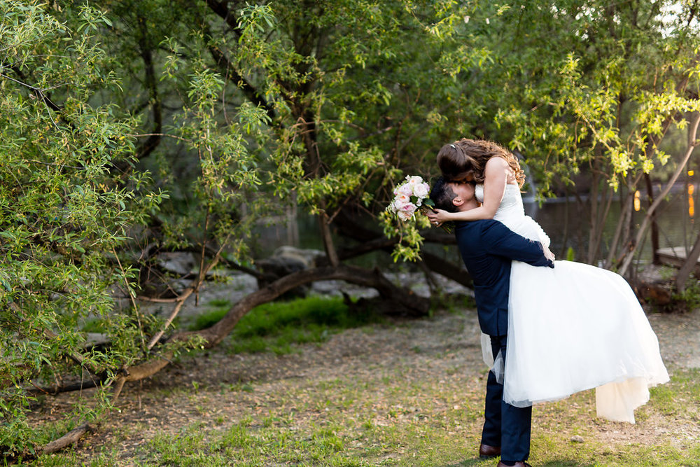 calamigos-ranch-wedding-kiss.jpeg