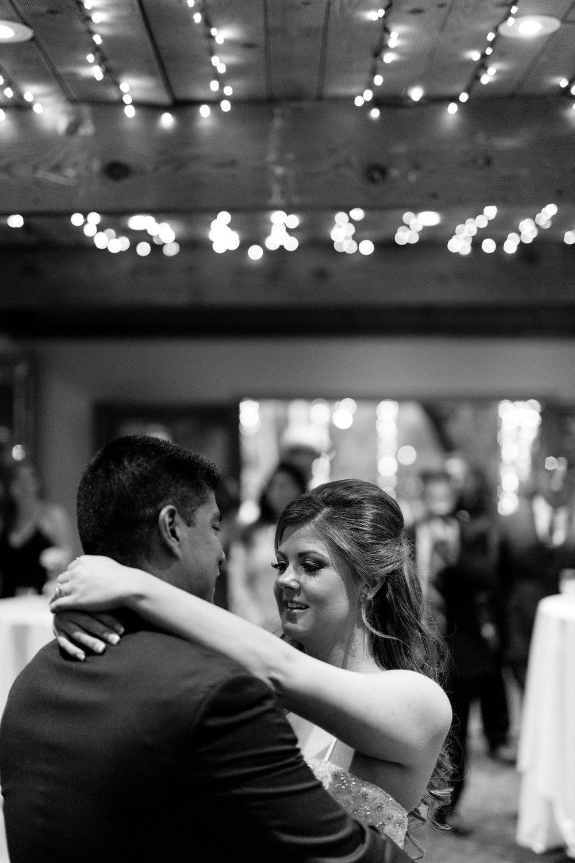 calamigos-ranch-malibu-wedding-first-dance.jpeg