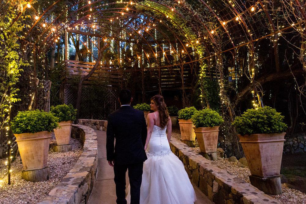 calamigos-ranch-malibu-wedding-birchwood-room.jpeg