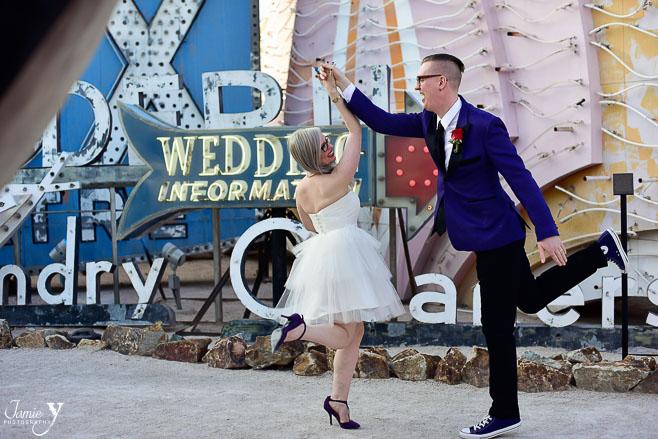 neon-museum-wedding-8.jpg
