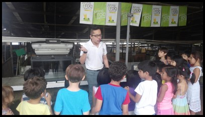 Zheng Xun welcomed the children to Jurong Frog Farm. He explained how the frog farm was started in 1981, along Old Jurong Road. They relocated to their current premises at Lim Chu Kang in 1994.