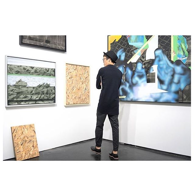 Our partner Assembly gallery looking sharp at Positions Berlin Art Fair! Mateusz Piestrak solo booth and new works are👌🏼Congrats guys! @assembly_gallery @kasiaqcharska @piestrax 👏🏼👏🏼👏🏼👏🏼👏🏼 #mateuszpiestrak #assemblygallery #mitchplusco #positionsberlin #berlinartfair #artgallery #artcollector #contemporaryart #scopemiami #nyc