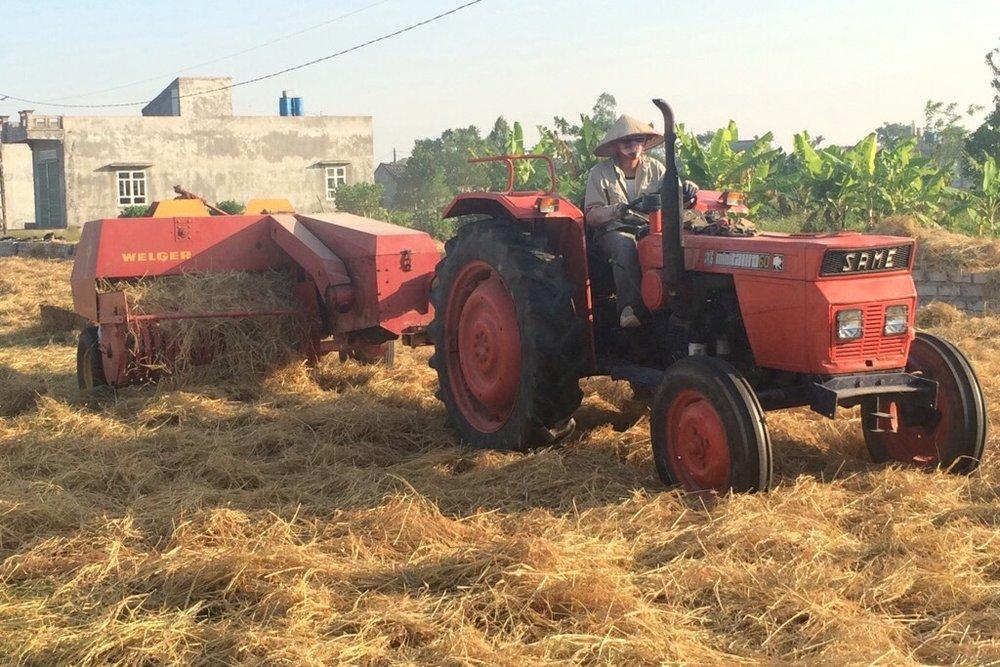 農作機械の見学 -