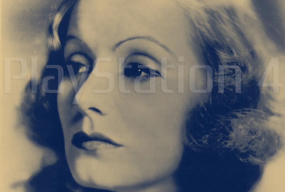 Greta Garbo > Audrey Hepburn < Audrey Bitoni