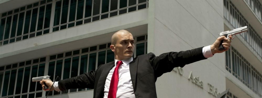Qui è dove l'Agente 47 viene attaccato dai buchi di sceneggiatura.