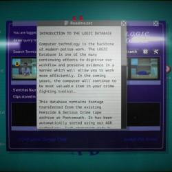 Per aumentare l'immersione, il desktop del nostro terminale è riprodotto con molta attenzione. C'è anche un effetto riflesso sullo schermo (che potete disattivare nelle opzioni però).