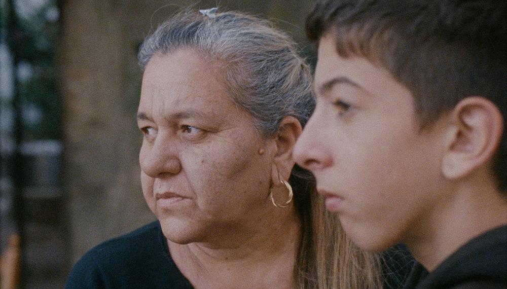 Pio Amato e sua nonna Iolanda. Quest'ultima è probabilmente fra i personaggi più riusciti dell'intera pellicola.