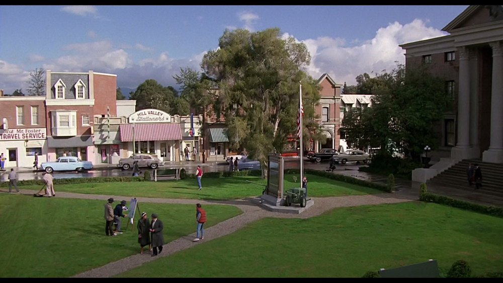 """Gli anni Cinquanta nella provincia americana, """"A Nice Place to Live""""."""