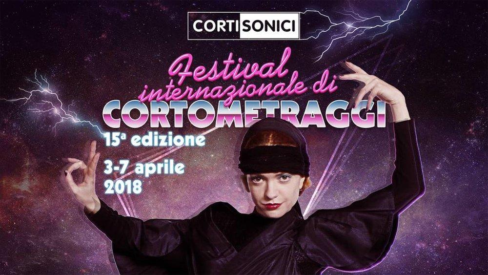 """La locandina dell'edizione 2018 di Cortisonici, il festival che ha ospitato il focus sul cinema di menare """"Cantando dietro i paradenti""""."""