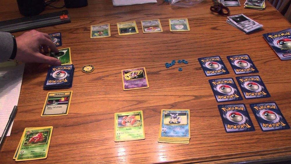 Una tipica partita a  Pokémon  durante la primissima edizione.
