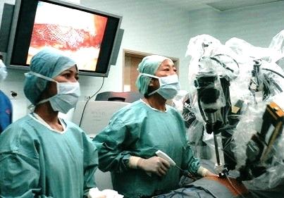 Dr Susan Lim Robotic Surgery