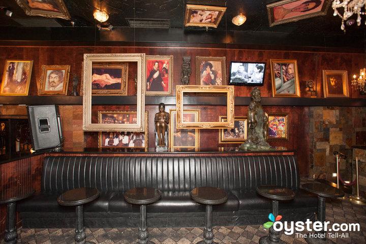artisan-lounge--v6223379-720.jpg