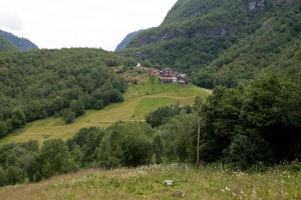 Vetti Gard og Turiststasjon-1.jpg