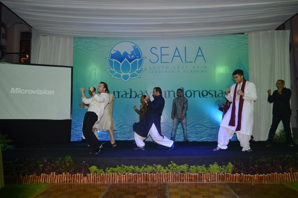 GROUP-CultureNightPakistaniStage.jpg