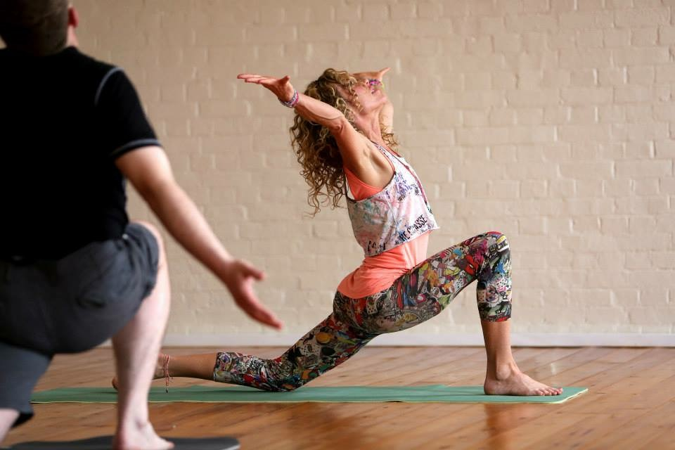 Self adjustment - In low lunge take arms wide apart and back rather than upright to expand the chest, open the shoulders and feel the power in the arms!