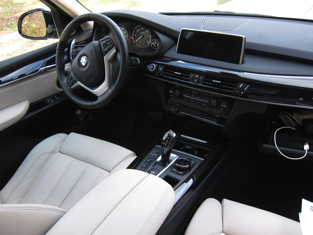 The X5's interior is well appointed, sumptuous, and memorable (Image: BMWBlog .com, though of this author's exact vehicle)