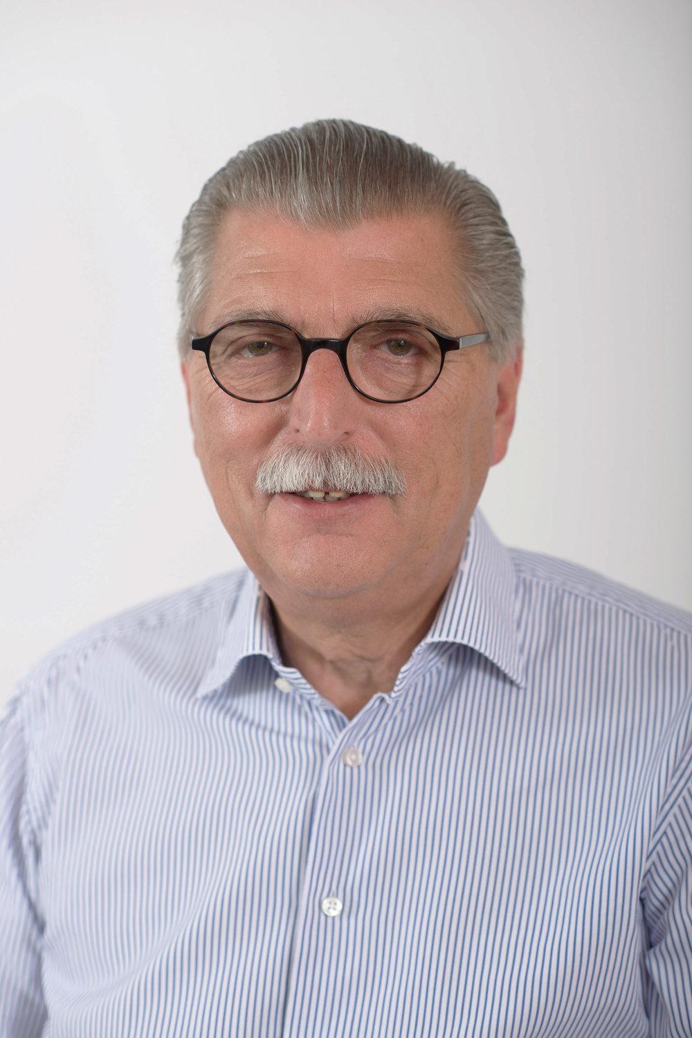 Lászlóffy István - Tulajdonos és Ügyvezető