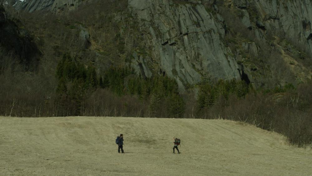 """Stillbilde fra filmen """"Aldri sett elg"""" av Simen Gjersvoll"""