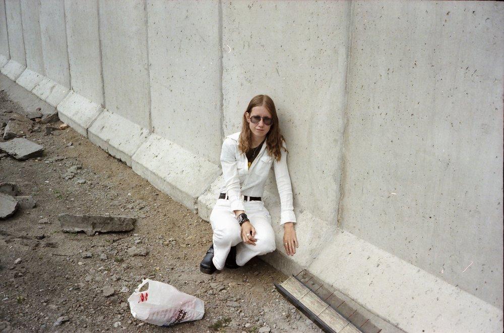 Berlinmuren, Maureen Paley, London og VIVII, Oslo