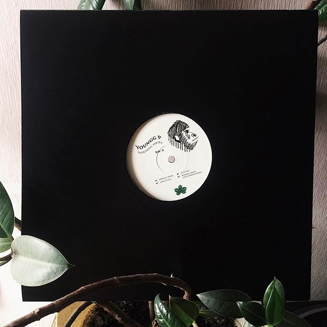 KH005: @youngg_primat - Morning Smoke с ремиксом от Steve Murphy уже в продаже ❤️❤️❤️ Лимитированный тираж в 200 копий. Ссылка на релиз в описании