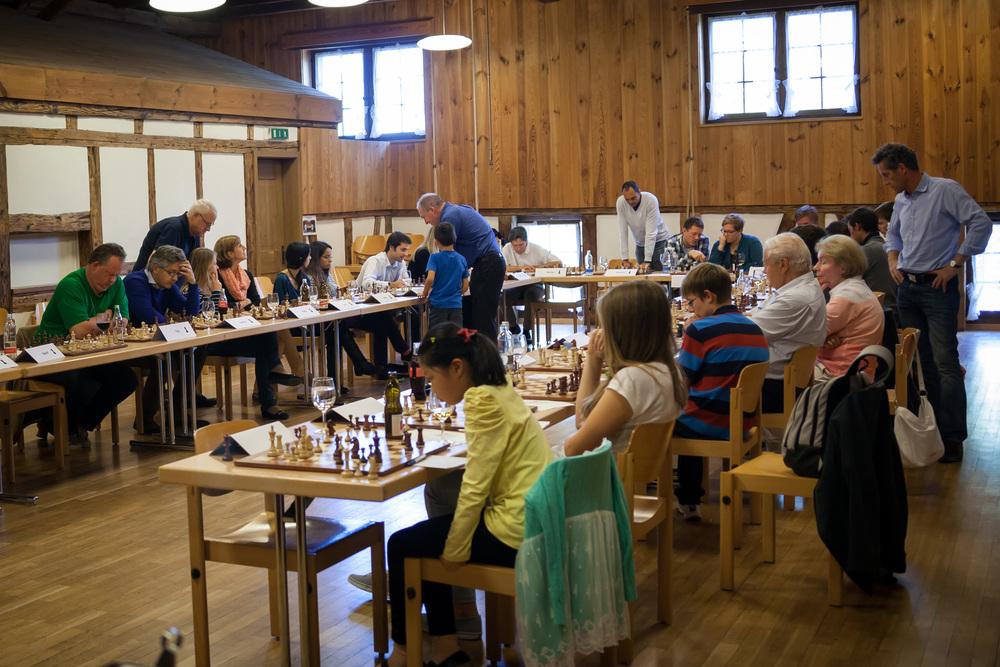 Die Spieler erhalten als Belohnung für ein Remis CHF 10.– und für einen Sieg CHF 30.– sowie ein GC-Spezialgeschenk.