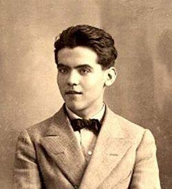 250px-Lorca_(1914).jpg