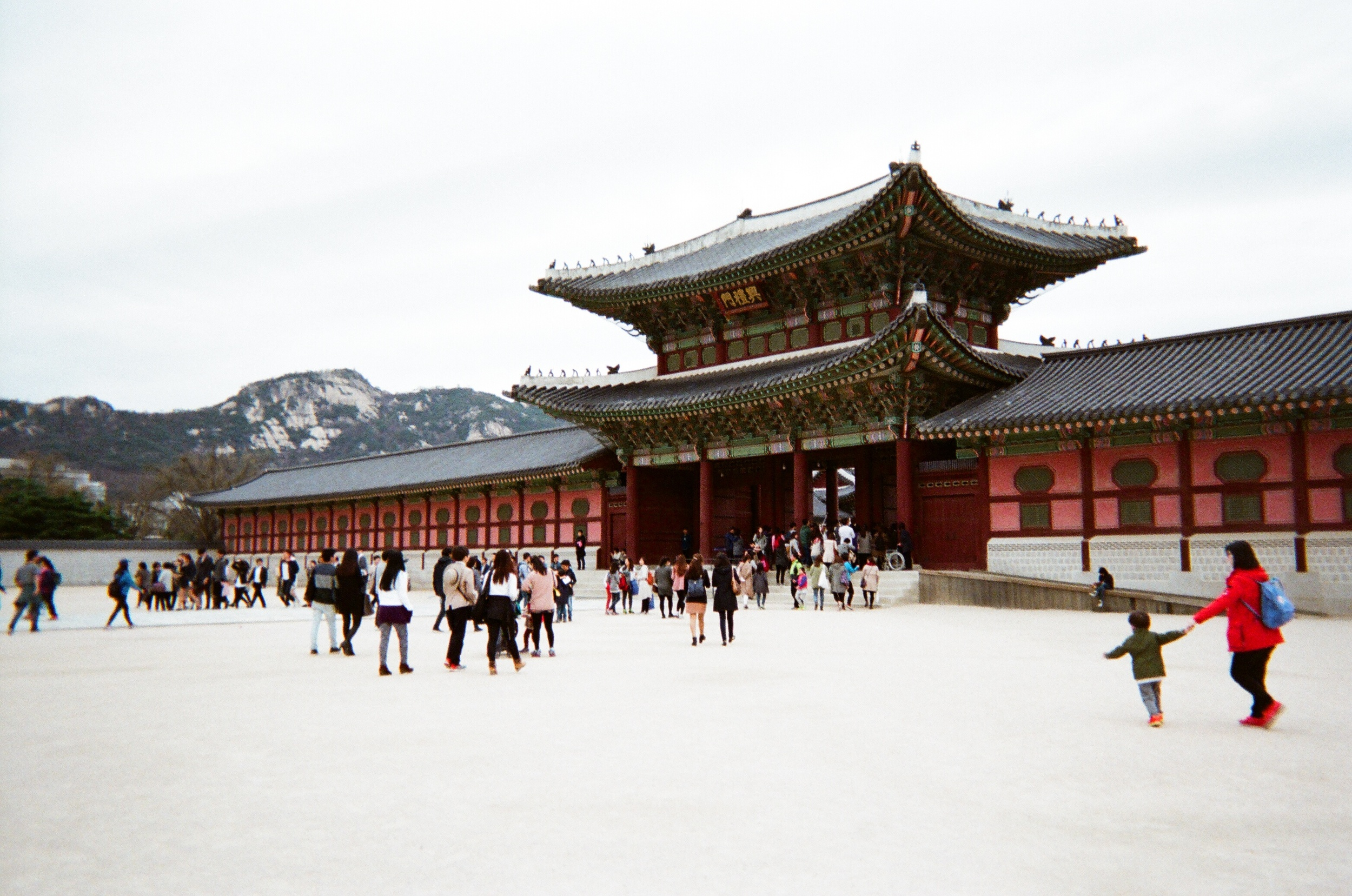 gyeongbokgung palace first gate