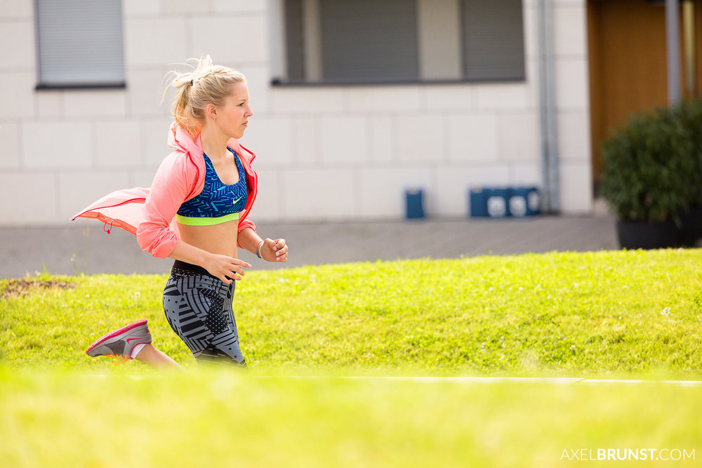 female-stuttgart-urban-running-8.jpg
