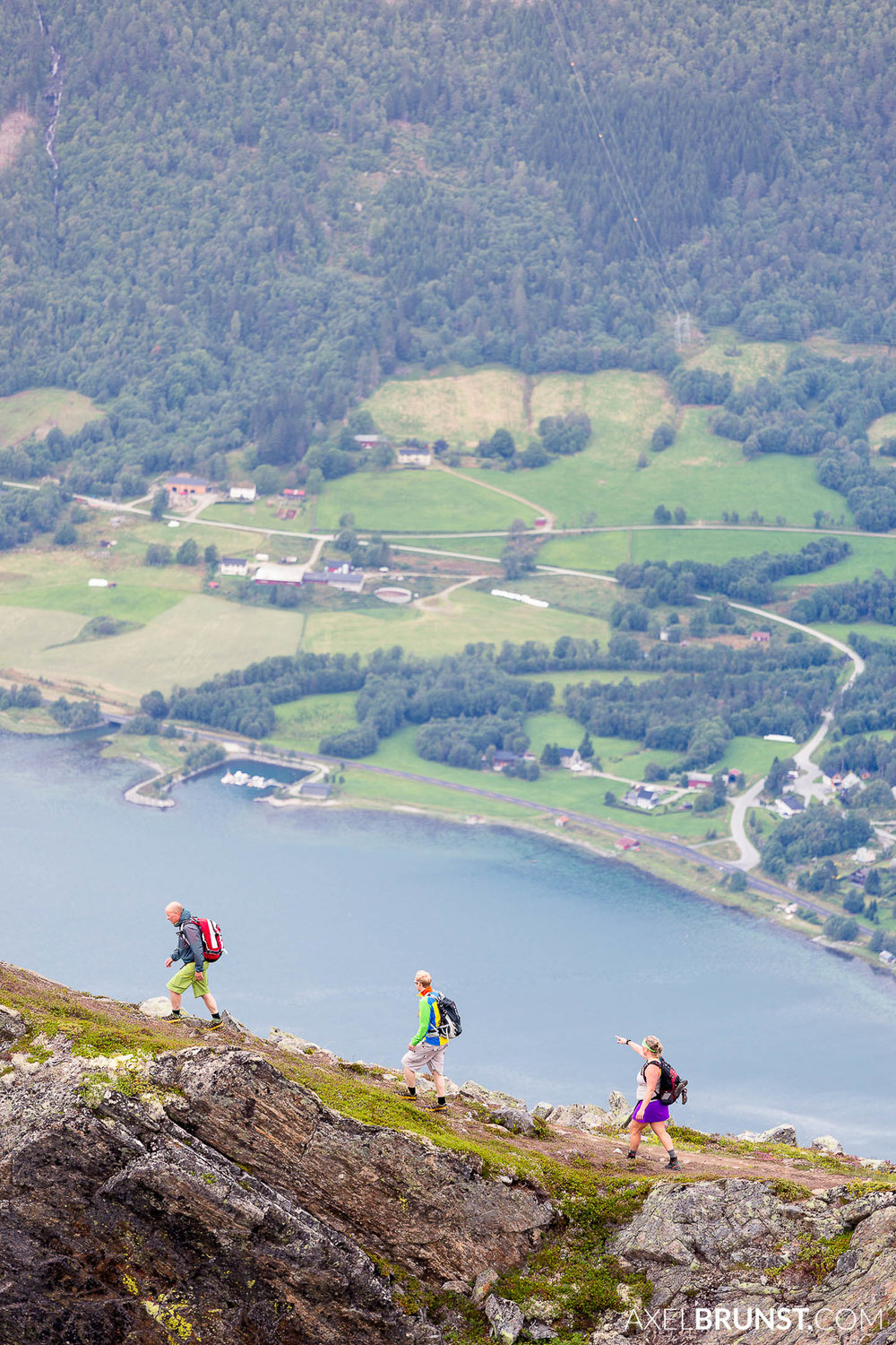 rommsdalseggen-hike-norway-17.jpg