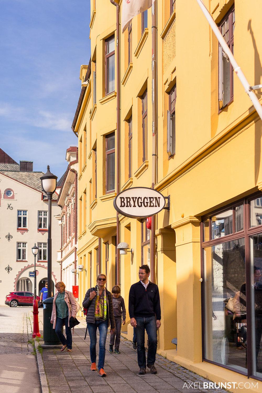 Alesund-coastal-town-norway-2.jpg