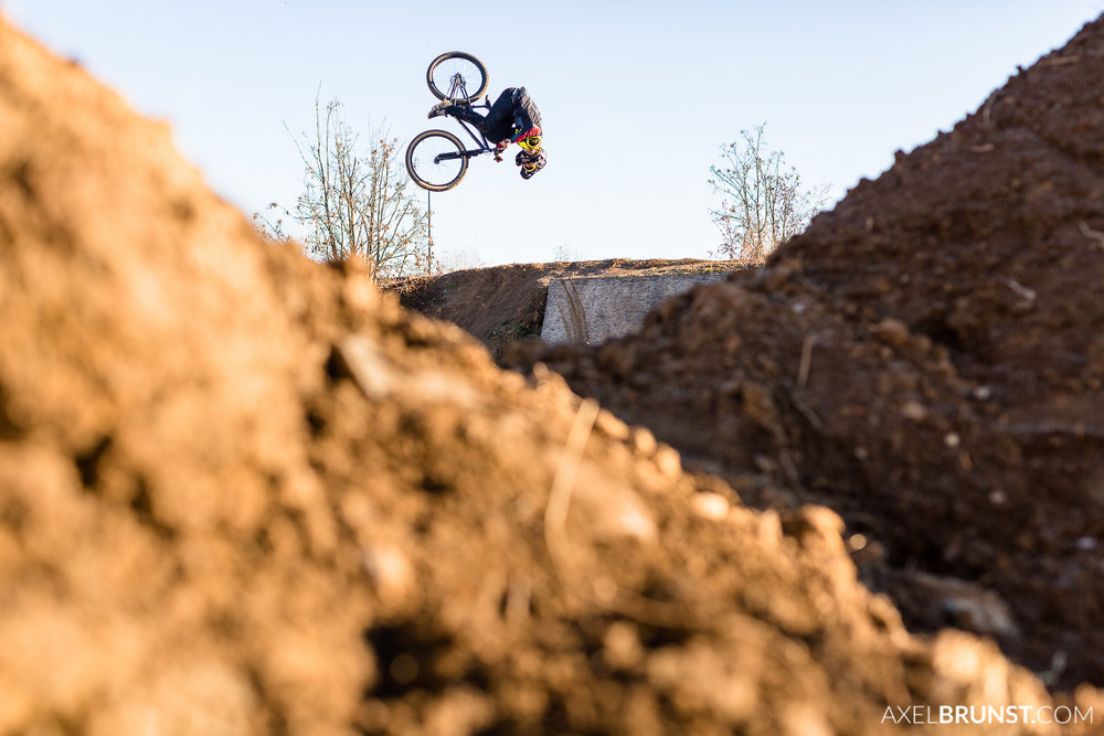 Filderstadt-Freestyle-Mountainbike-Dirt-Jump-1.jpg