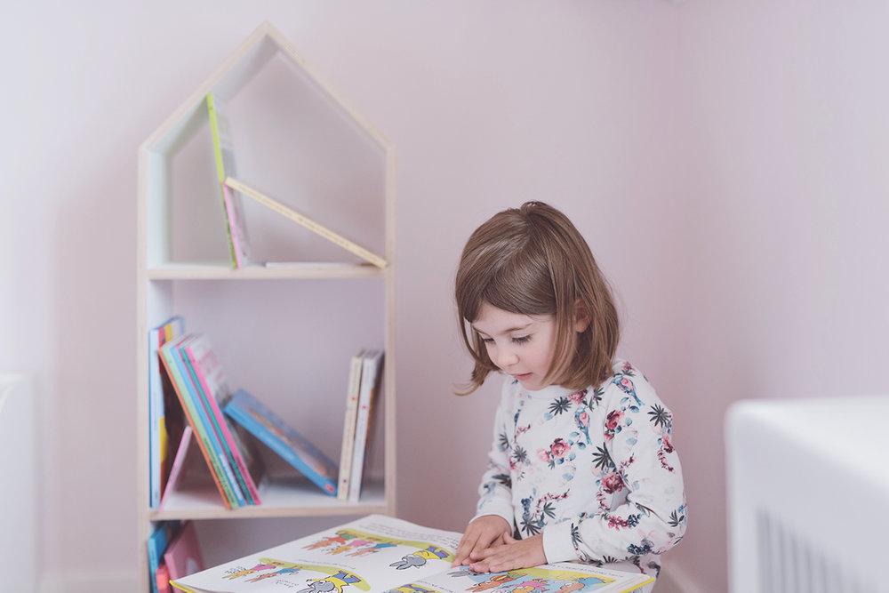 Péa les maisons. Une chambre d'enfant pleine de livres