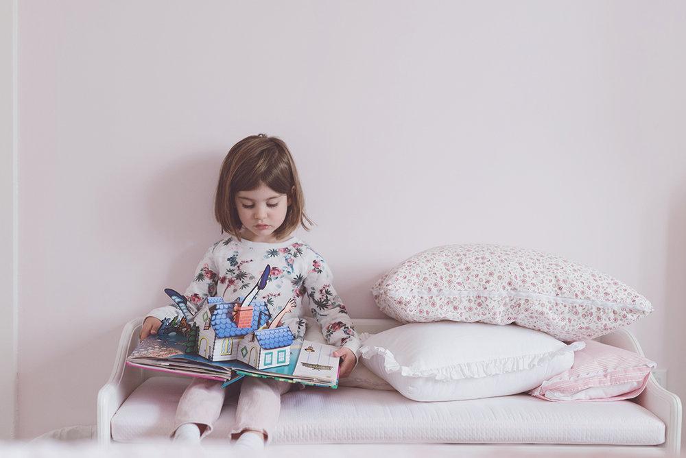Péa les maisons. Idée pour un coin lecture dans une chambre de petite fille