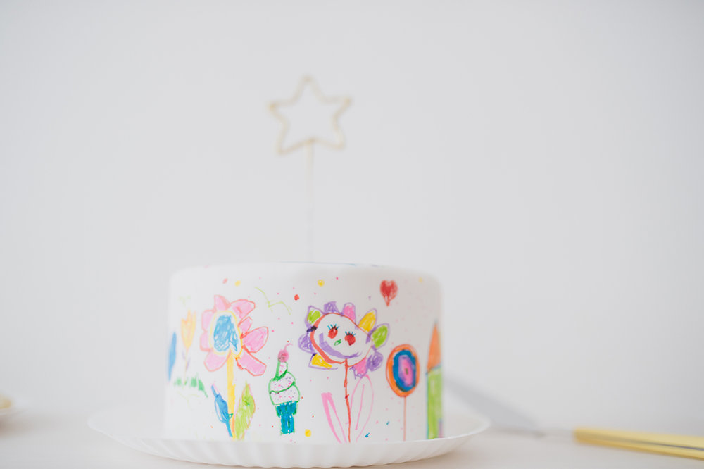Péa les maisons. The prettiest cake ever for a toddler girl birthday party
