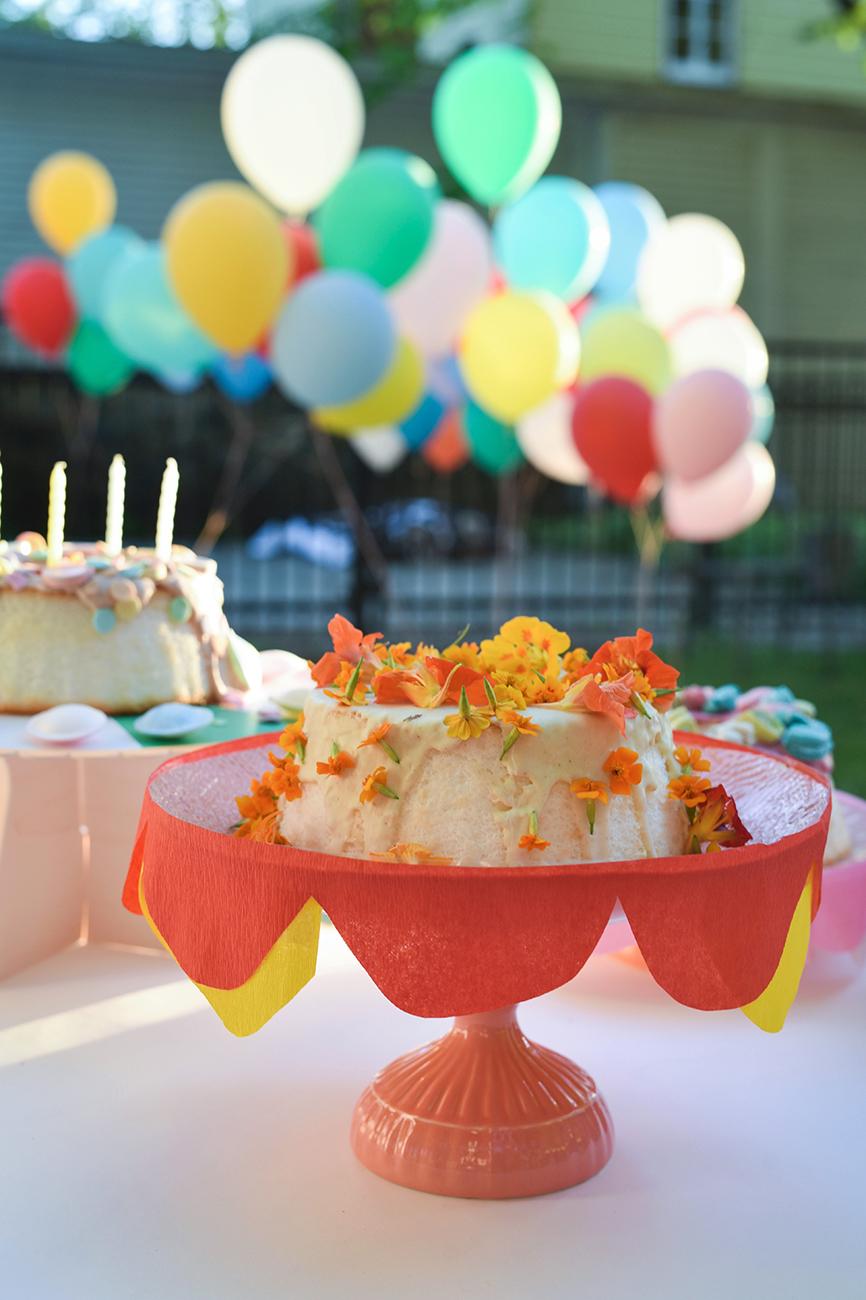 Péa les maisons. Inspiration pour de superbes et délicieux gâteaux d'anniversaire pour une fête d'enfants colorée