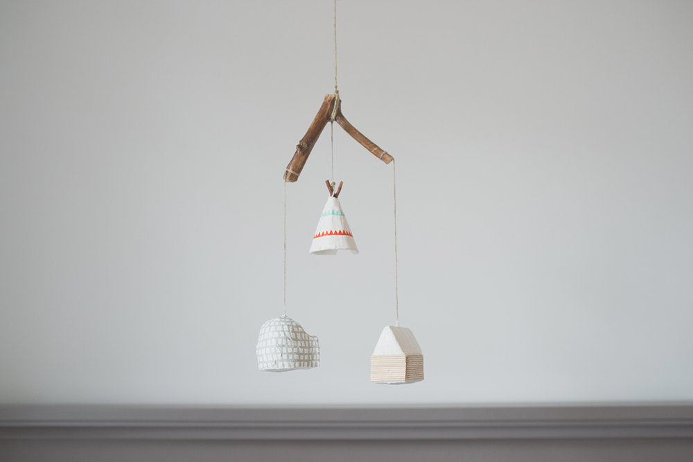 Péa les maisons. Mobile for nursery room