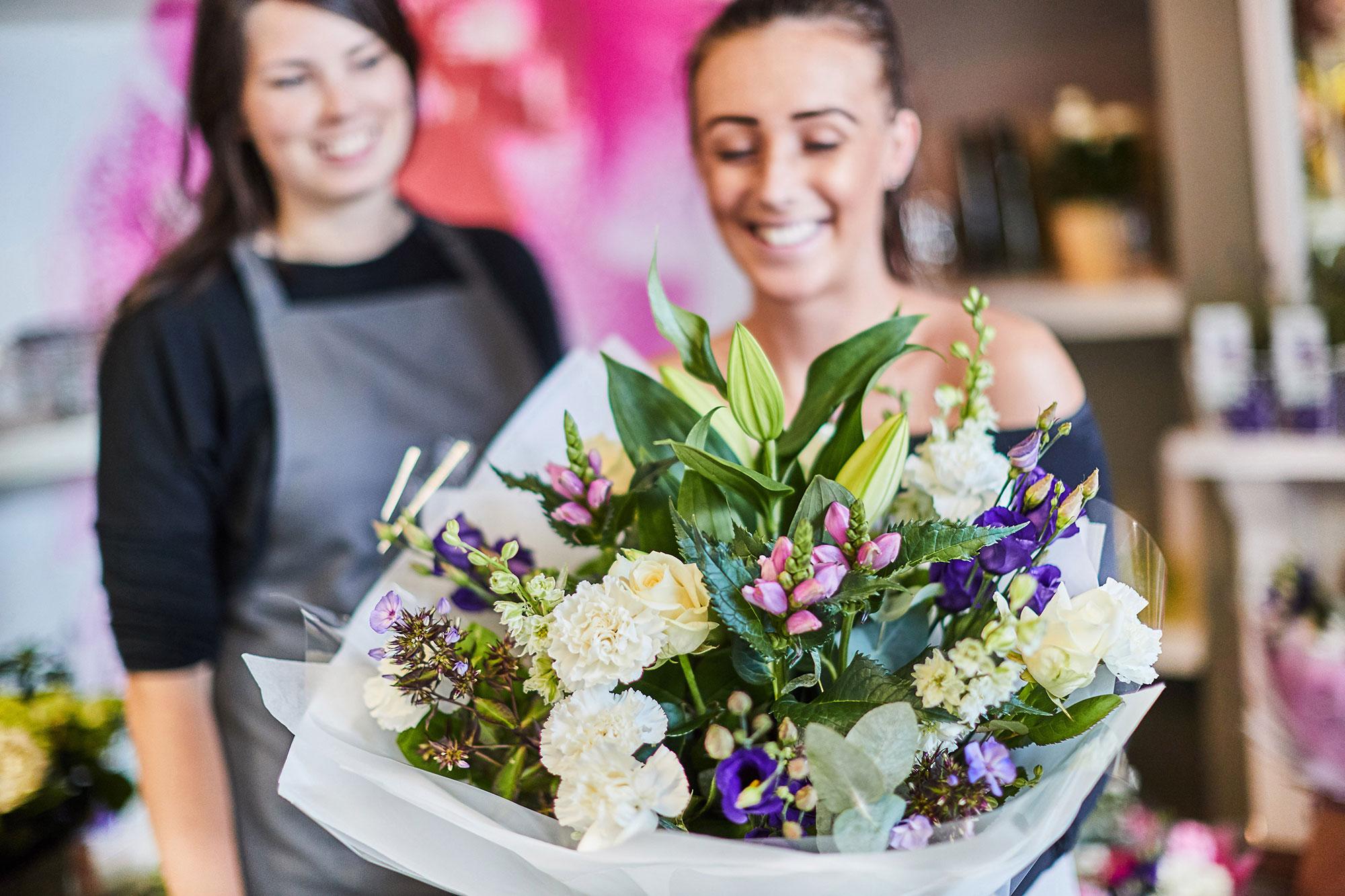 Perkins florist perkins florists duston northamptonshire 2g izmirmasajfo
